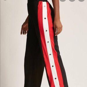 Hot & delicious breakaway pants medium NWT black